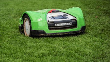 Den får av Råd   Rön utmärkelsen bra köp i deras test av robotgräsklippare.  Trots att Worx Landroid WG796E.1 är relativt liten dfe6fd75c4f6c